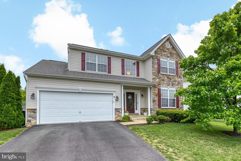 Welcome Home - 60 SANCTUARY LN, STAFFORD