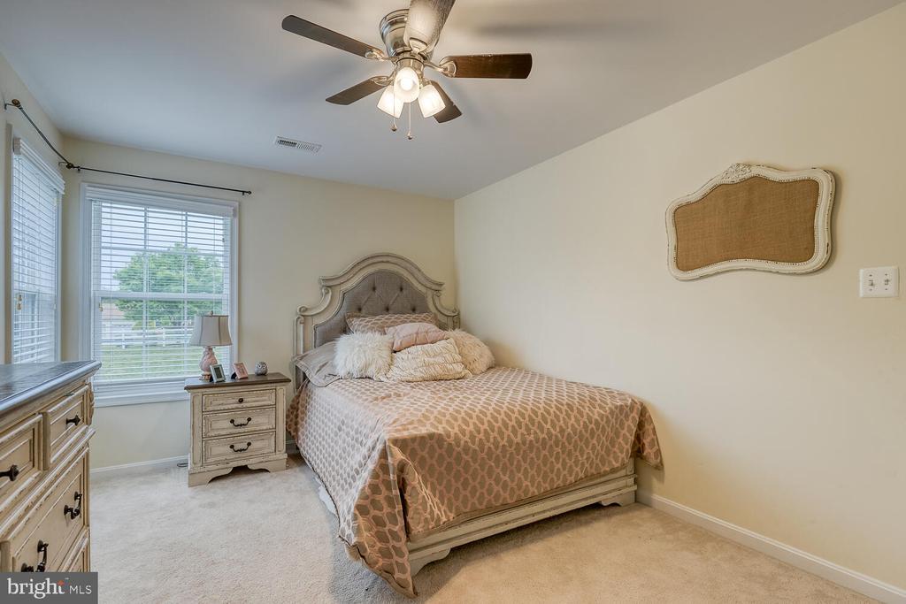 Bedroom 2 - 60 SANCTUARY LN, STAFFORD