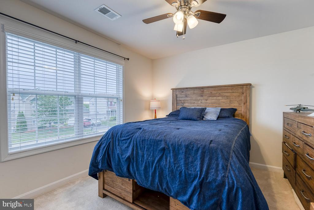 Bedroom 3 - 60 SANCTUARY LN, STAFFORD