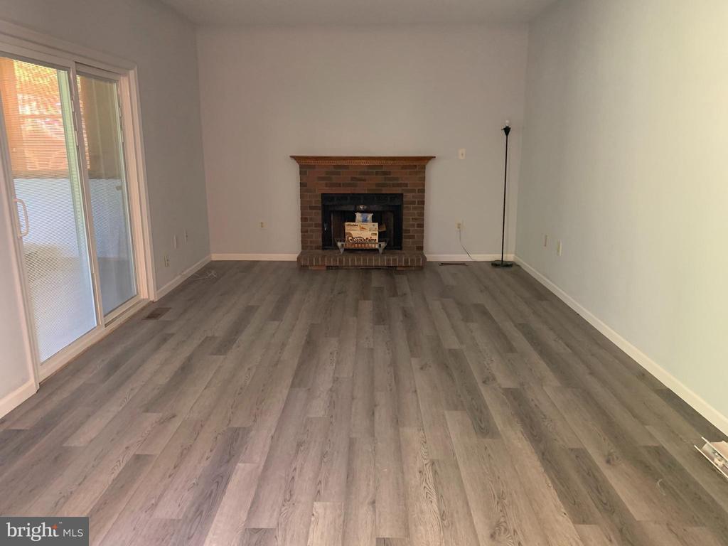 Family room - 40 BLOSSOM WOOD CT, STAFFORD