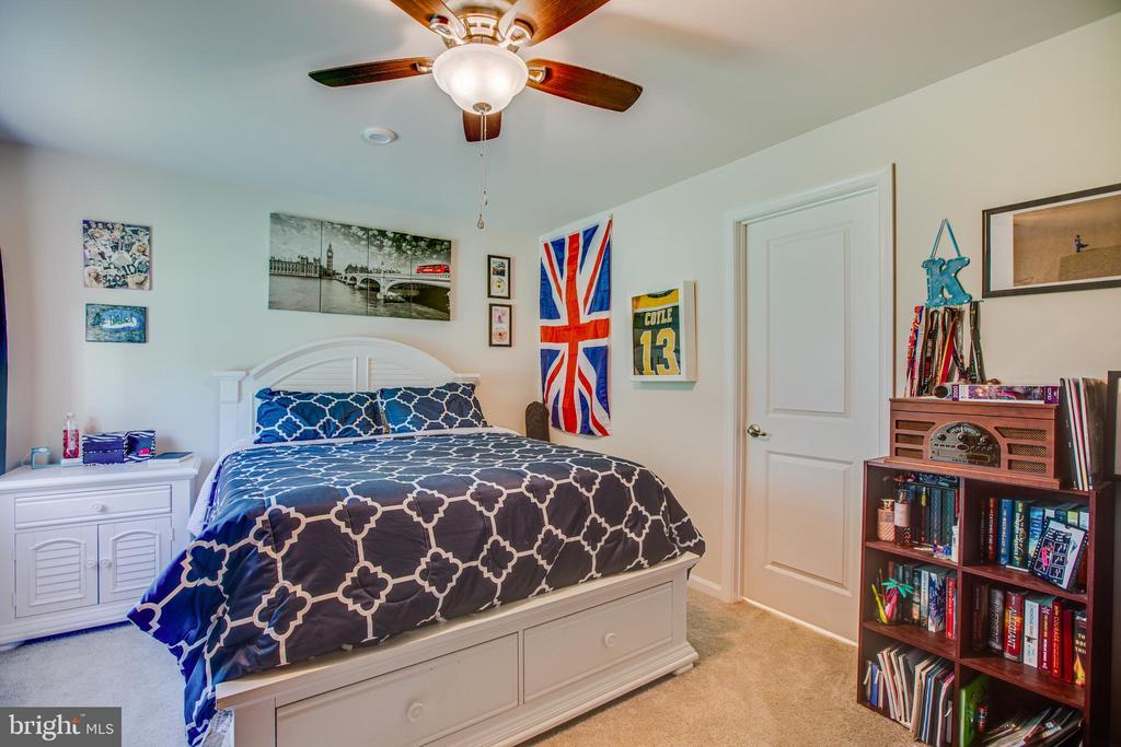 basement bedroom w/Jack & Jill bathroom - 12504 BAINSWOOD CT, FREDERICKSBURG