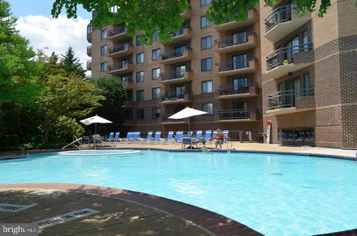 2111 WISCONSIN AVE NW #414