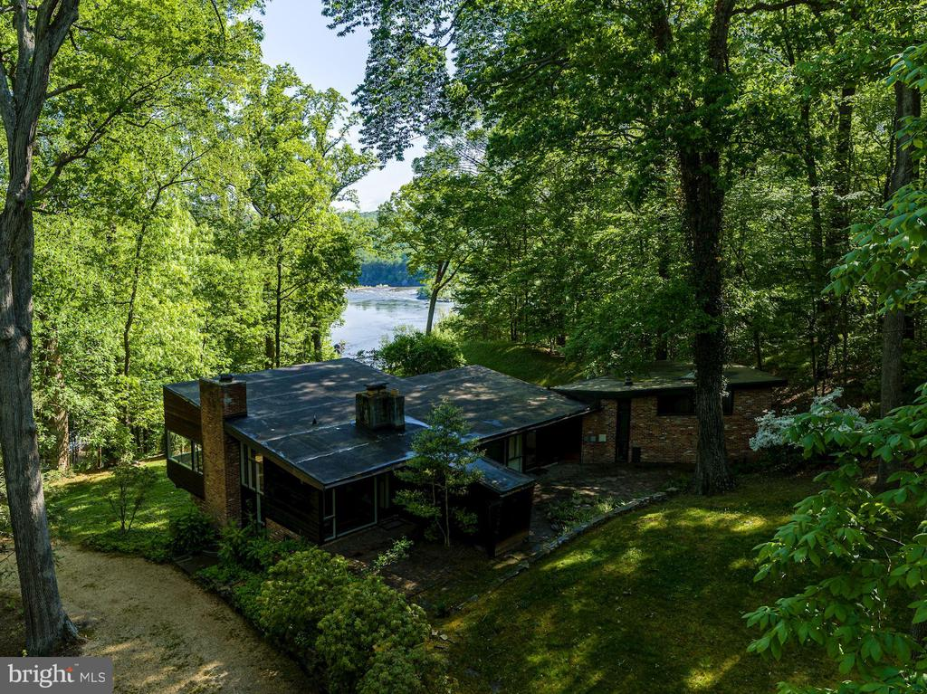 Current Home - Ready to Renovate or Rebuild! - 701 BULLS NECK RD, MCLEAN