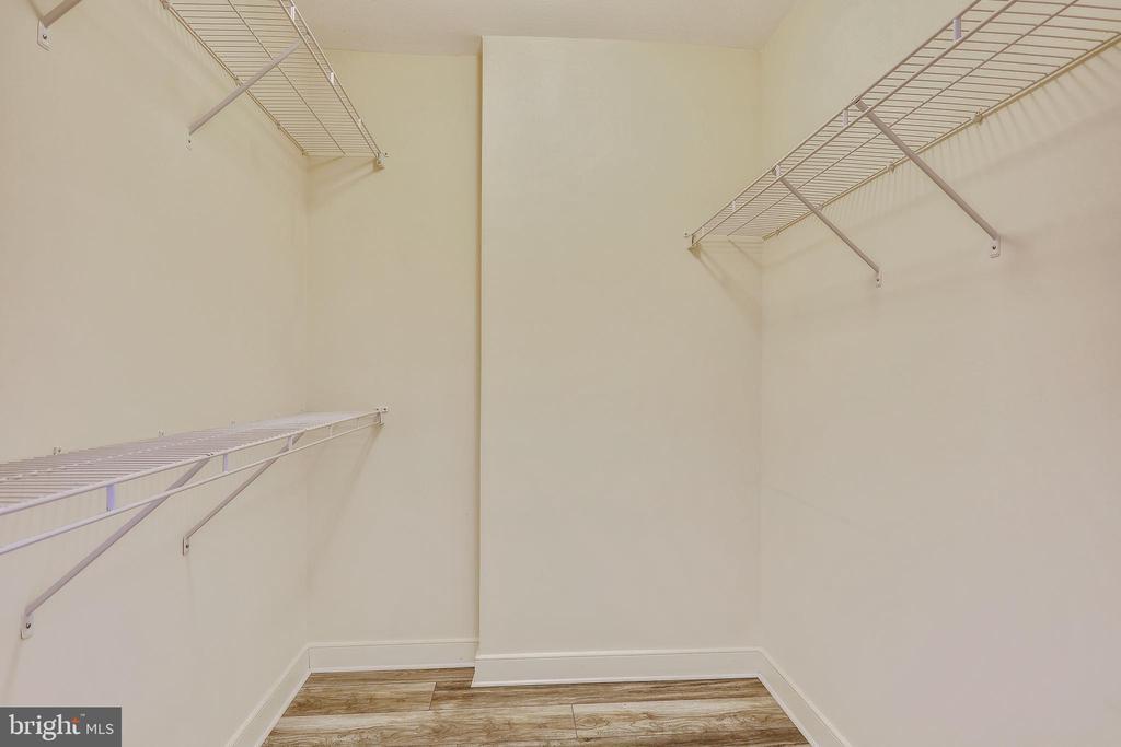 Walk-in Closet - 616 E ST NW #520, WASHINGTON
