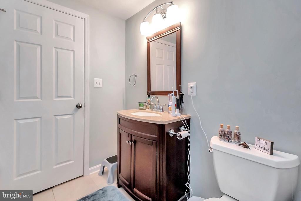 Full bathroom - 593 WIDEWATER RD, STAFFORD