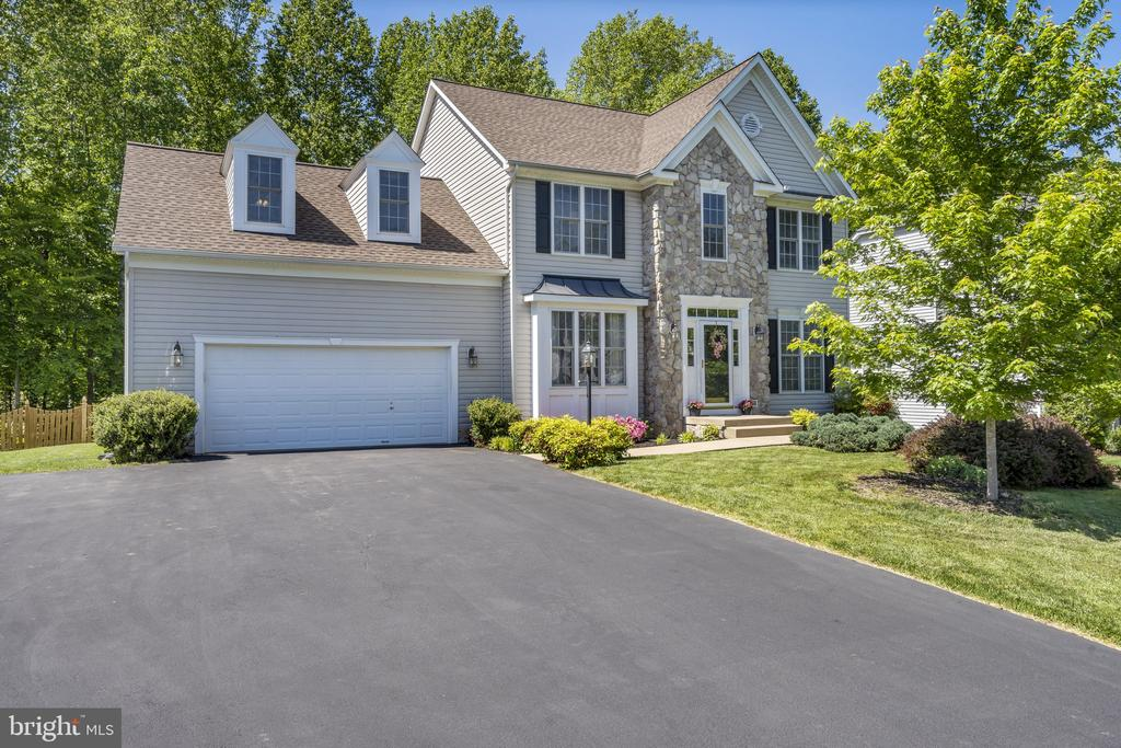 Beautiful colonial in Augustine North! - 13 LUDWELL LN, STAFFORD