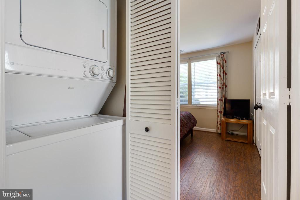 Washer and Dryer to Convey - 20576 SNOWSHOE SQ #101, ASHBURN