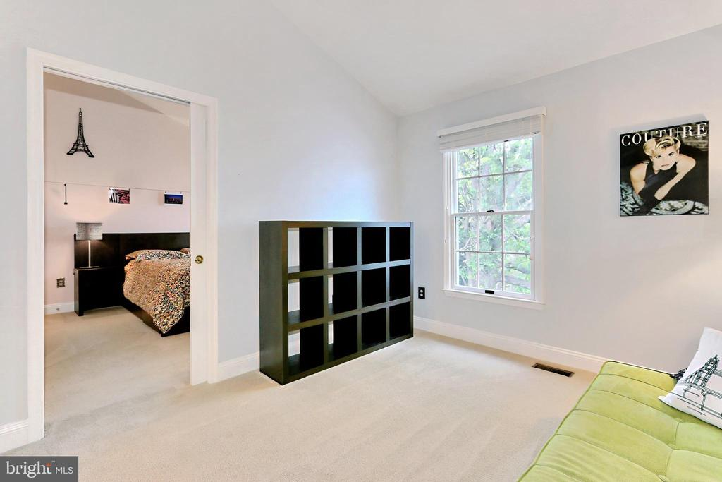 Bedrooms #2 & #3 joined by a pocket door - 508 DRANESVILLE RD, HERNDON