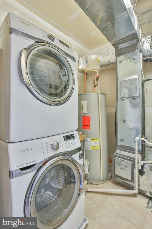 Laundry room shared with mechanical room - 42810 LAUDER TER, ASHBURN