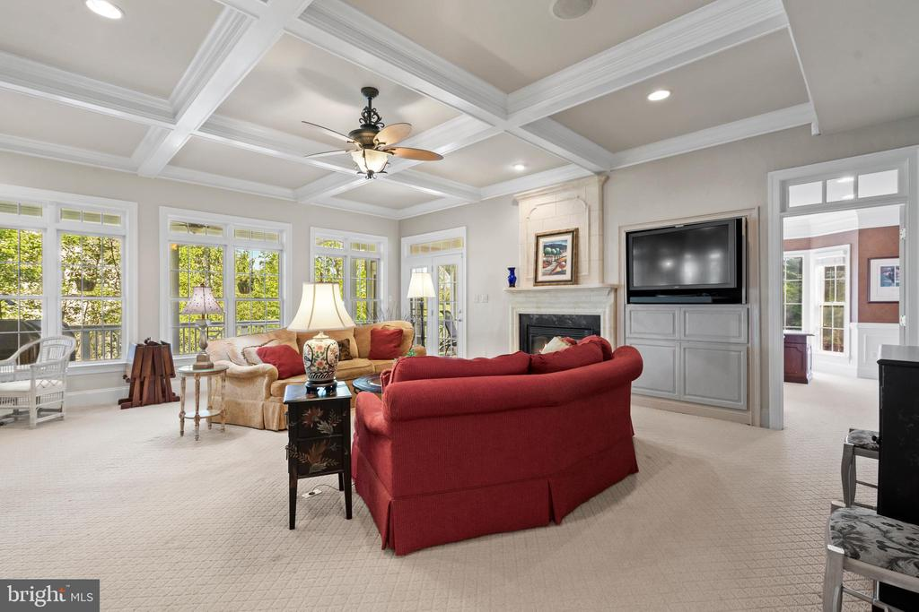 Great Room with Wood Coffered Ceilings - 43327 RIVERPOINT DR, LEESBURG