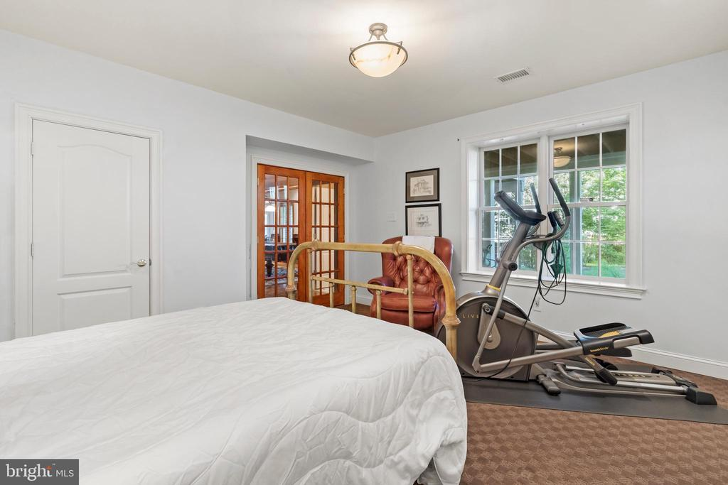 Sixth Bedroom in Lower Level - 43327 RIVERPOINT DR, LEESBURG
