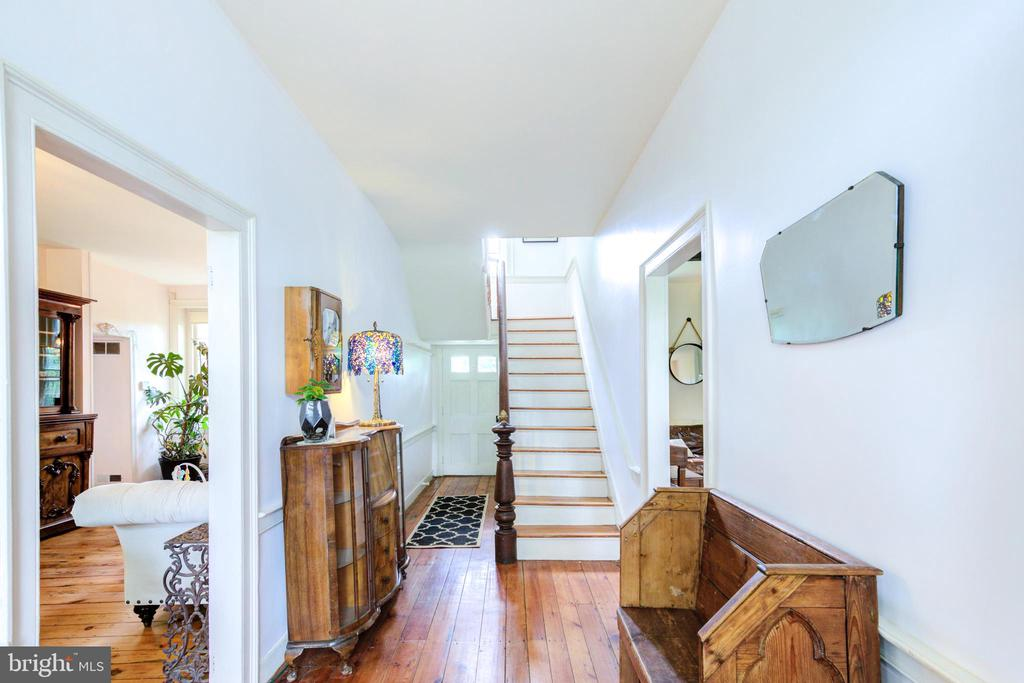 Foyer / front entrance - 19060 LINCOLN RD, PURCELLVILLE