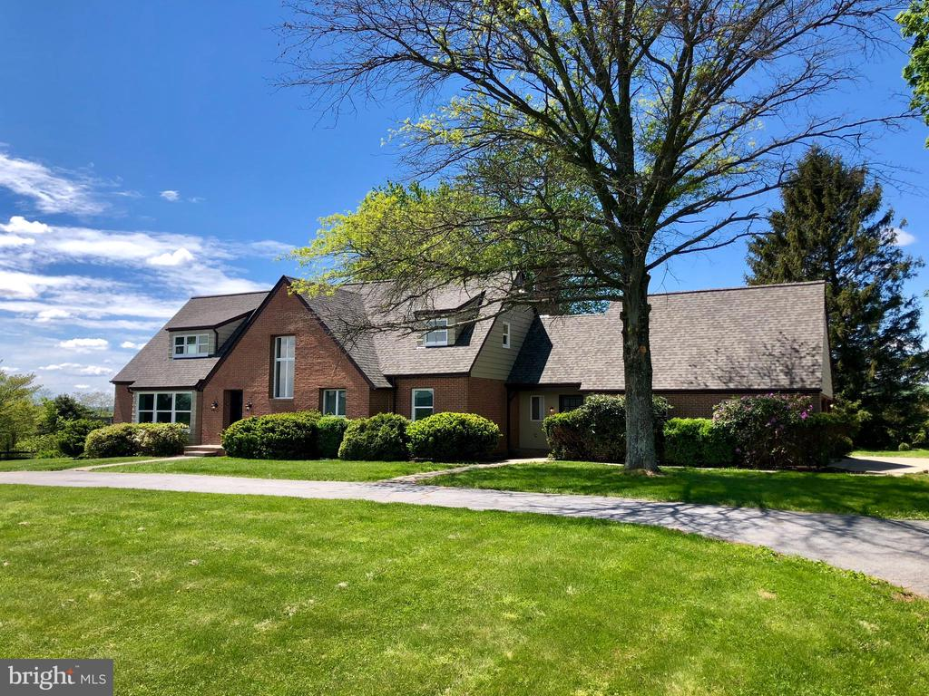 SITUATED ON 5+ ACRES - 8450 PALMER RD, MIDDLETOWN