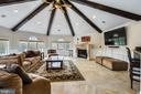Grand oversized family room - 20179 GLEEDSVILLE RD, LEESBURG