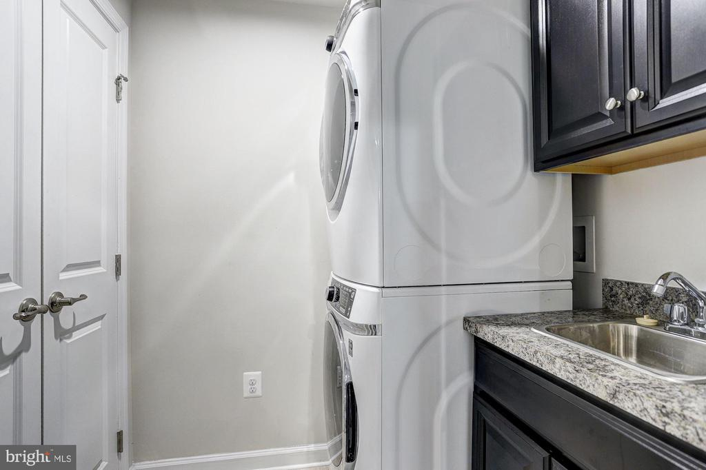 Laundry Room - 5843 ROCHEFORT ST, IJAMSVILLE