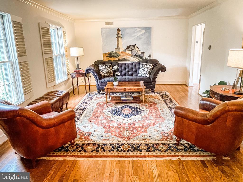 Large living room - 7716 RIDGECREST DR, ALEXANDRIA