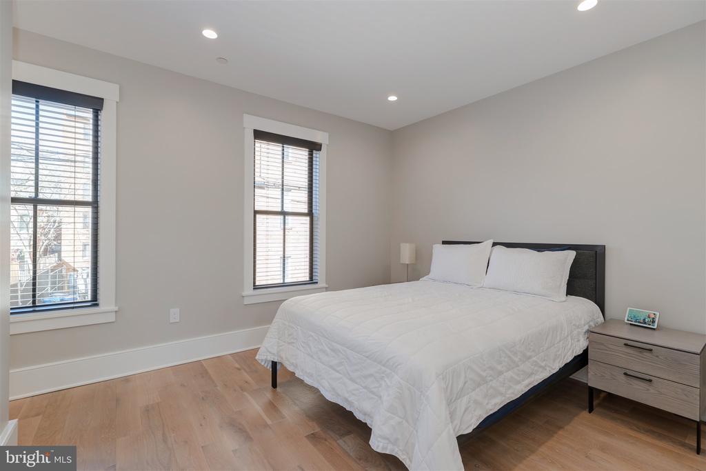 Carriage house guest suite (bedroom #5) - 212 A ST NE, WASHINGTON