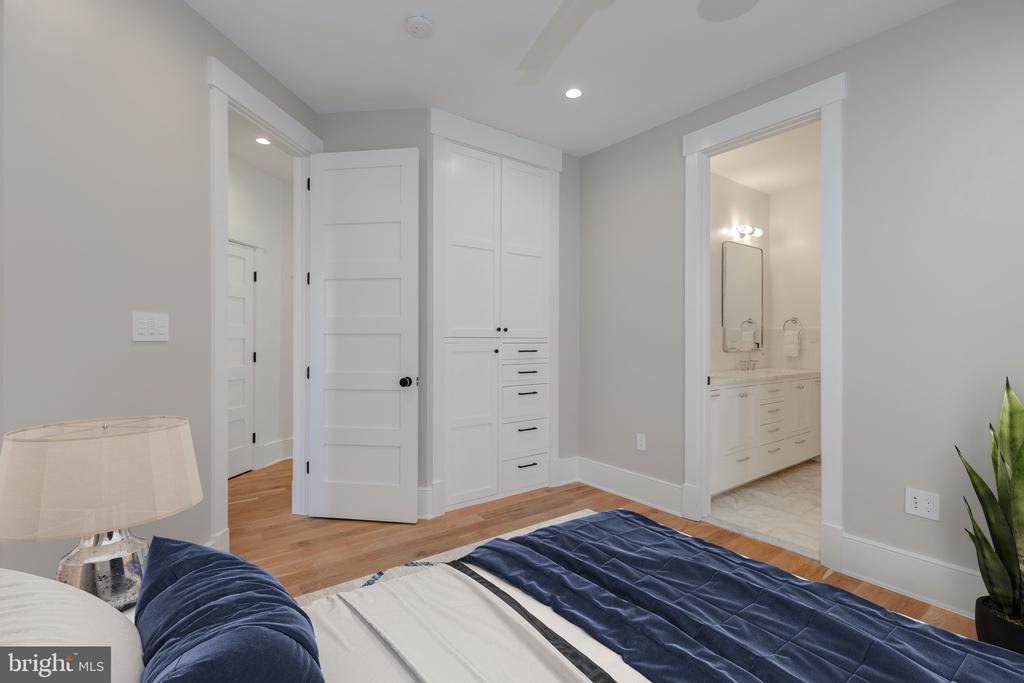 Bedroom #3 w/built-in closet system - 212 A ST NE, WASHINGTON