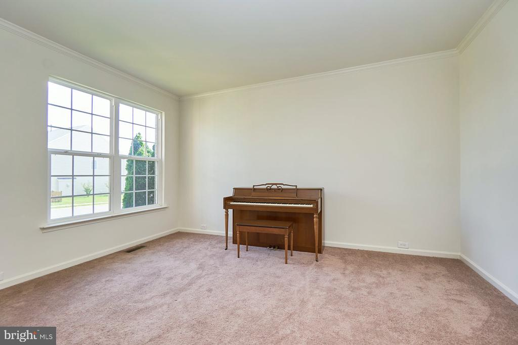 Freshly Painted Formal Living Room - 13944 BARRYMORE CT, GAINESVILLE