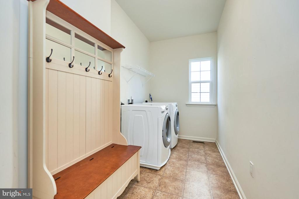 Main Level Laundry Room - 13944 BARRYMORE CT, GAINESVILLE