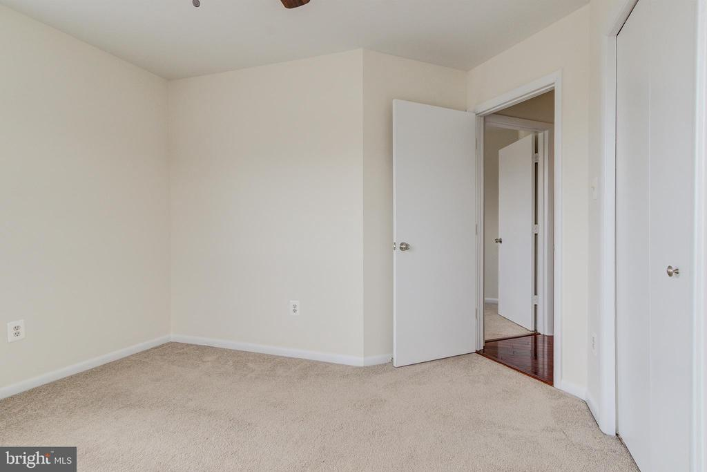 2nd Bedroom 1 - 44257 MOSSY BROOK SQ, ASHBURN