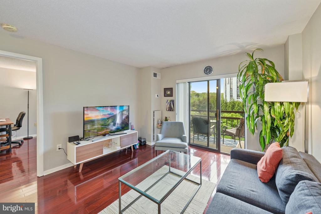 Living Room - 2111 WISCONSIN AVENUE, NW #420, WASHINGTON