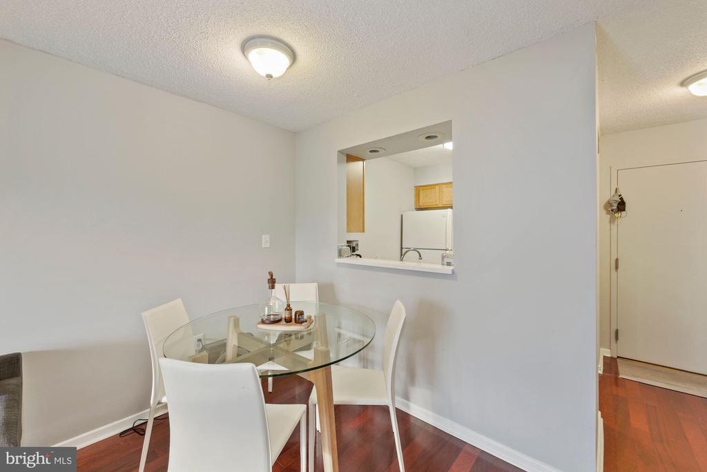Dining area. - 2111 WISCONSIN AVENUE, NW #420, WASHINGTON