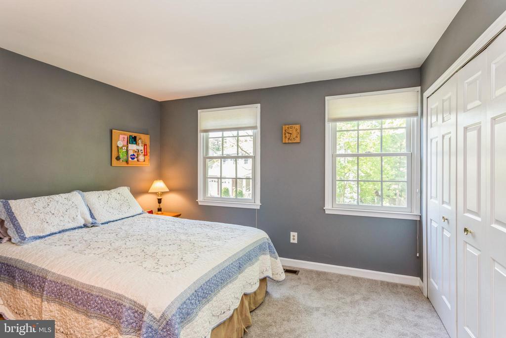Bedroom #2 with oversized closet - 13619 BRIDGELAND LN, CLIFTON