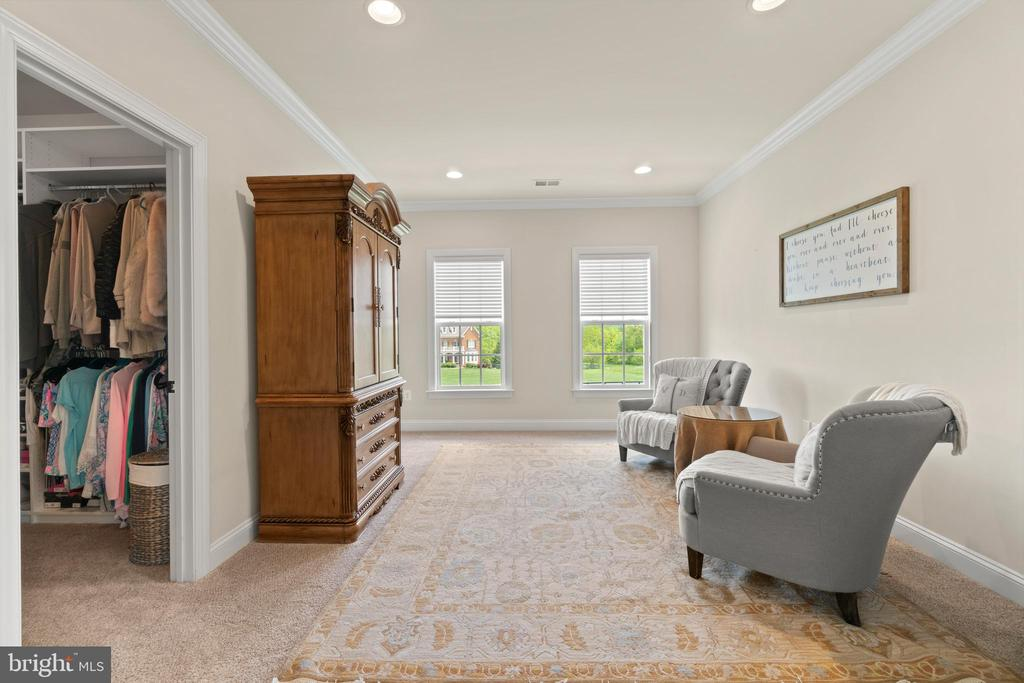 Primary Suite Sitting Area - 35543 GREYFRIAR DR, ROUND HILL