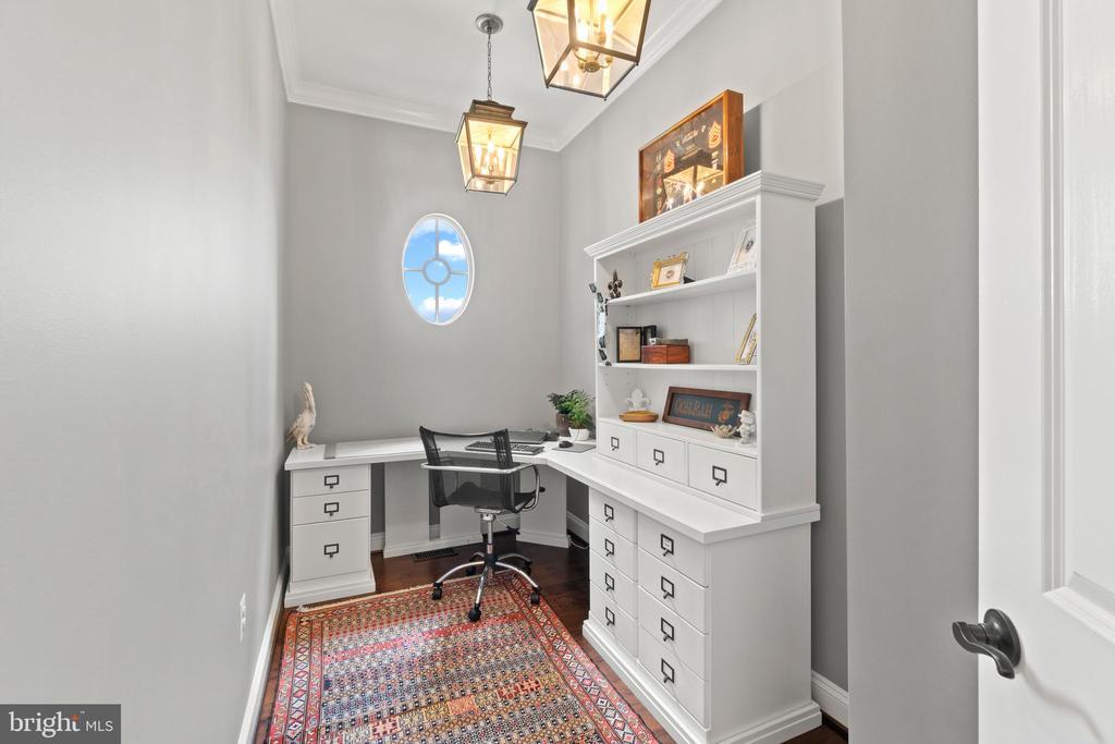 Office (Furniture Conveys) - 35543 GREYFRIAR DR, ROUND HILL