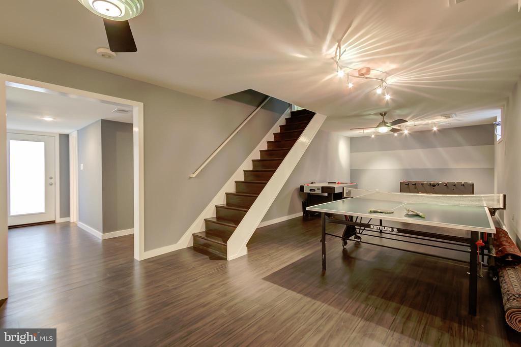 Game Room (Lower Level) - Beautiful Flooring! - 2502 CHILDS LN, ALEXANDRIA
