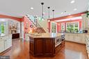 Beautiful gourmet kitchen - 9903 S HARRIS FARM RD, SPOTSYLVANIA