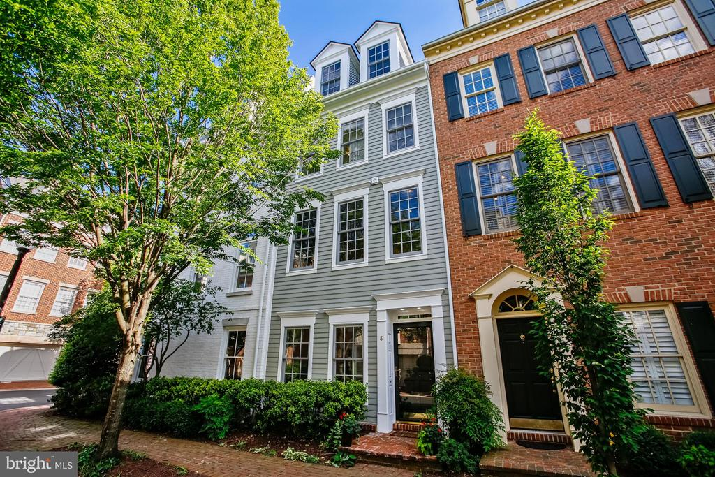 Fords Landing half a block from Potomac waterfront - 8 KEITHS LN, ALEXANDRIA