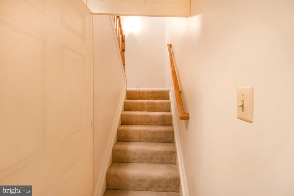 stairs to upper level 2 - 15302 SWEETRIDGE RD, SILVER SPRING