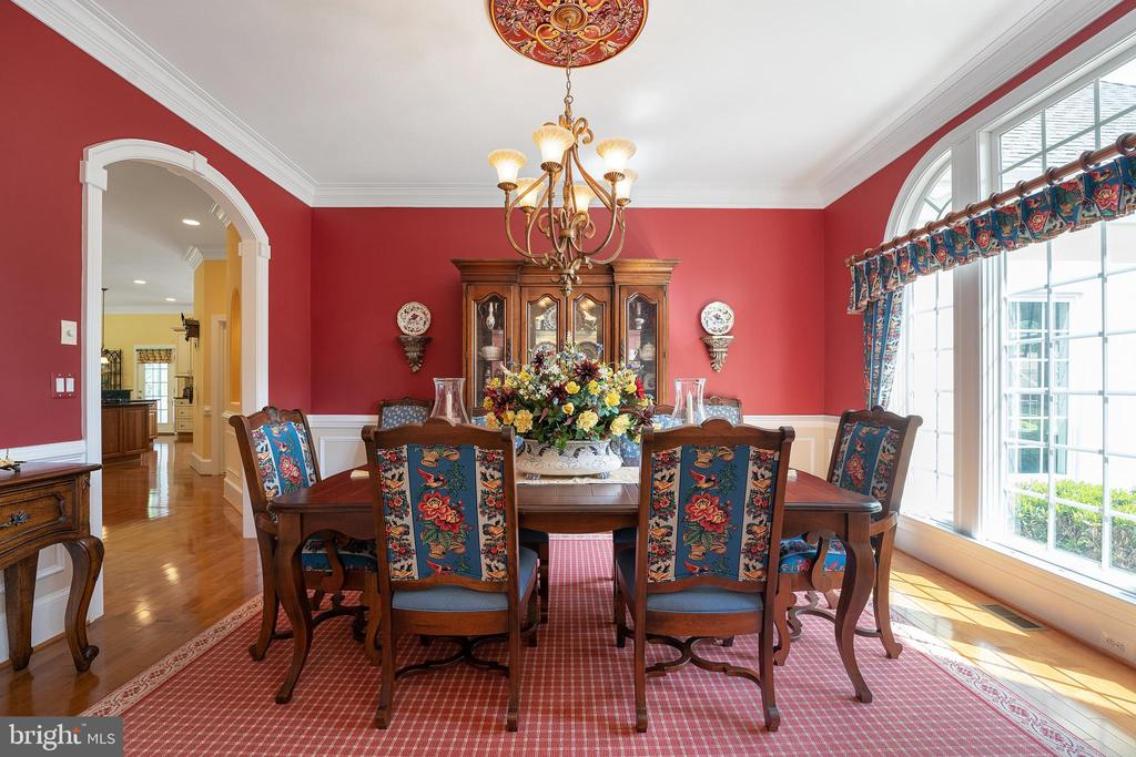 Rich Formal Dining Room - 11500 TURNING LEAF CT, SPOTSYLVANIA
