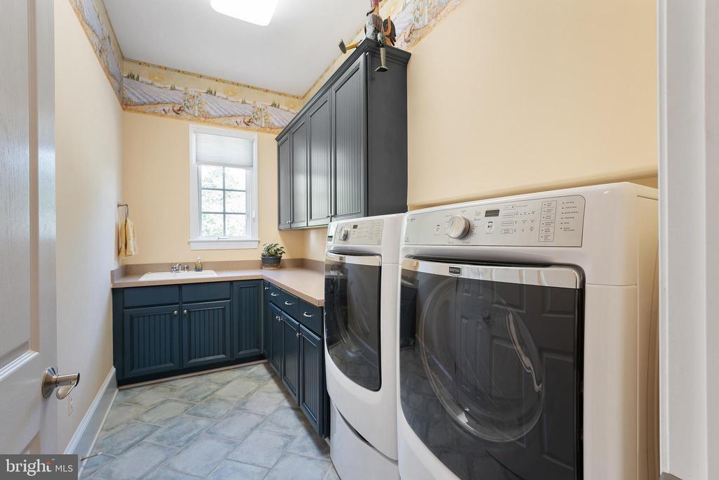 Main Level Laundry has Recessed W/D - 11500 TURNING LEAF CT, SPOTSYLVANIA