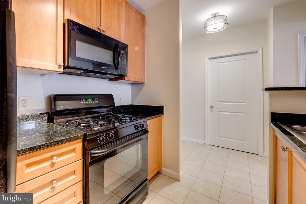 Kitchen View:  New Gas Stove This Week - 851 N GLEBE RD #115, ARLINGTON