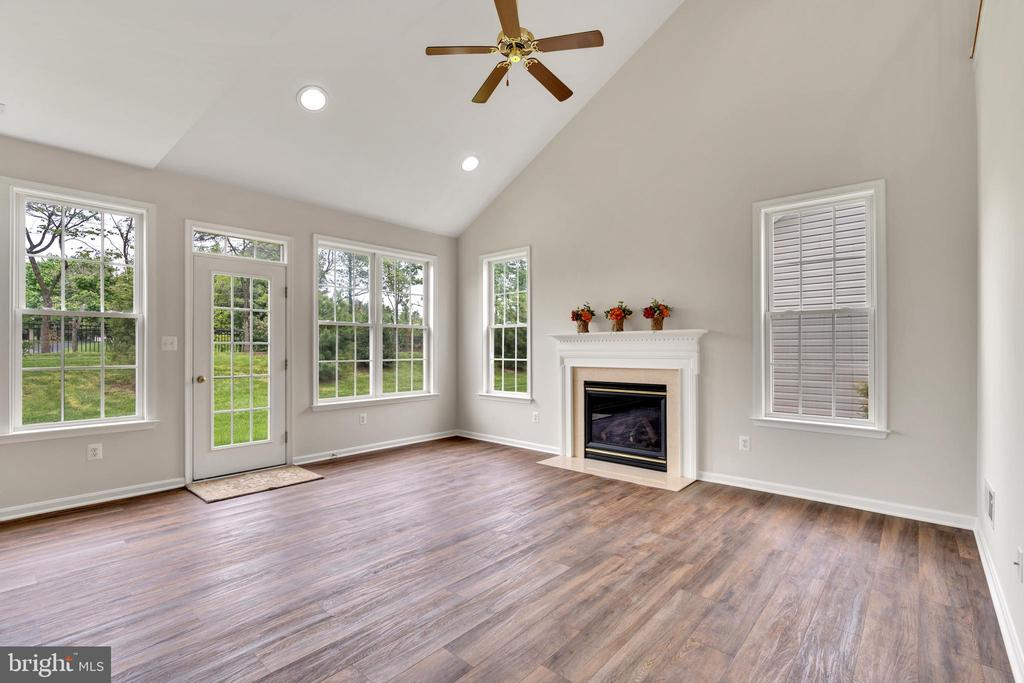 Family Room, Vaulted Ceiling, Gas Fireplace - 13206 TRIPLE CROWN LOOP, GAINESVILLE