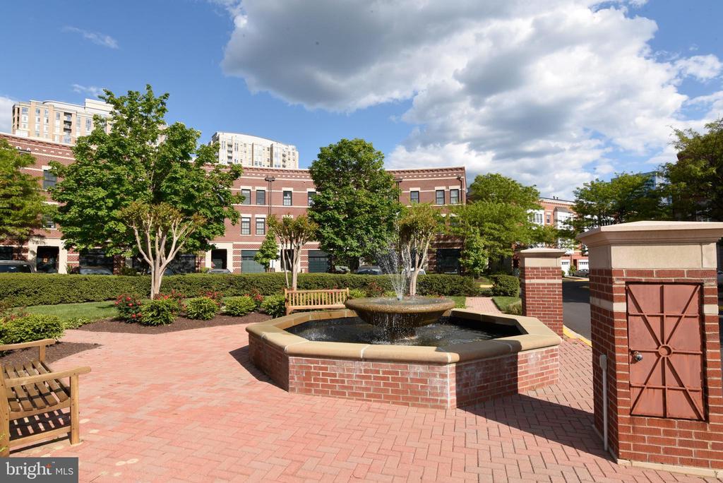 Fountain in the courtyard - 12143 CHANCERY STATION CIR, RESTON