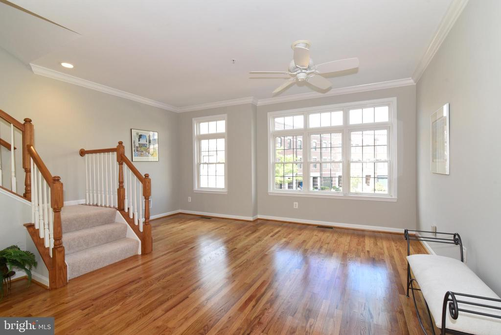 Living room dining/room combo - 12143 CHANCERY STATION CIR, RESTON