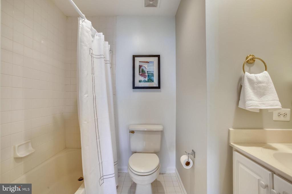 Third of three full bathrooms - 8 KEITHS LN, ALEXANDRIA