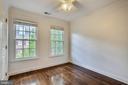 Second bedroom with hardwood floors - 8 KEITHS LN, ALEXANDRIA