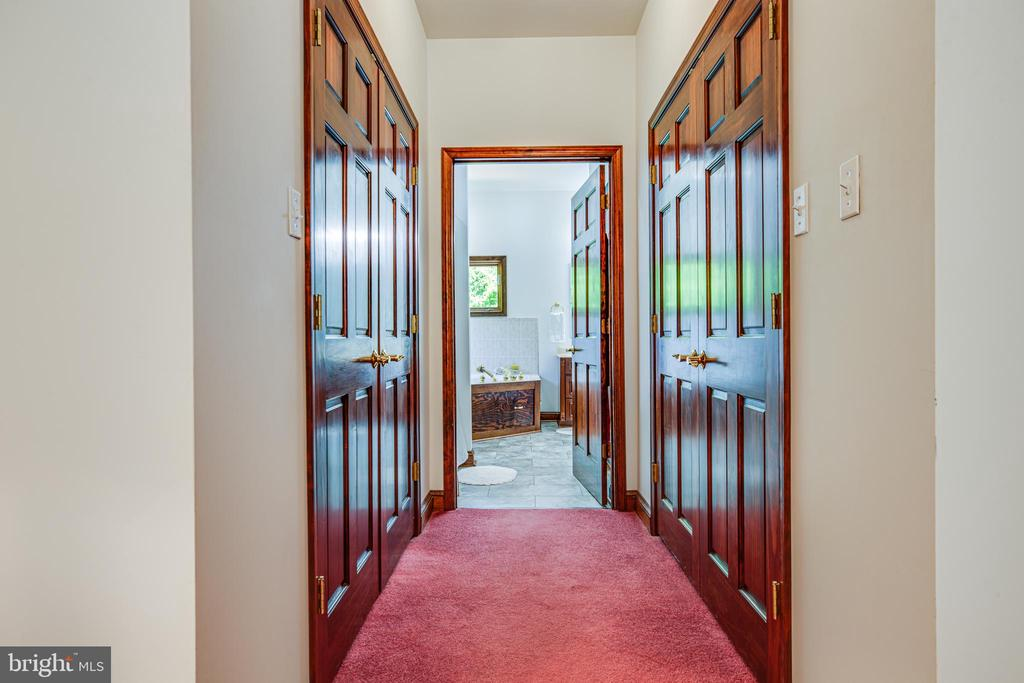 Hallway to Primary Bathroom with his/her closets - 6559 OVERLOOK DR, KING GEORGE