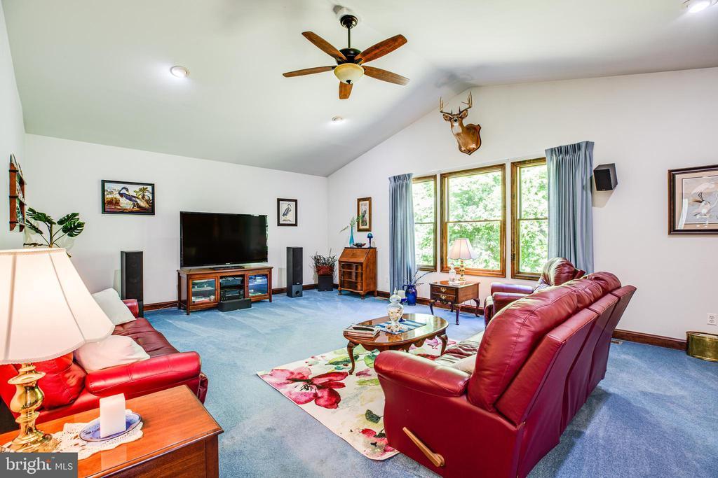 Living Room - 6559 OVERLOOK DR, KING GEORGE