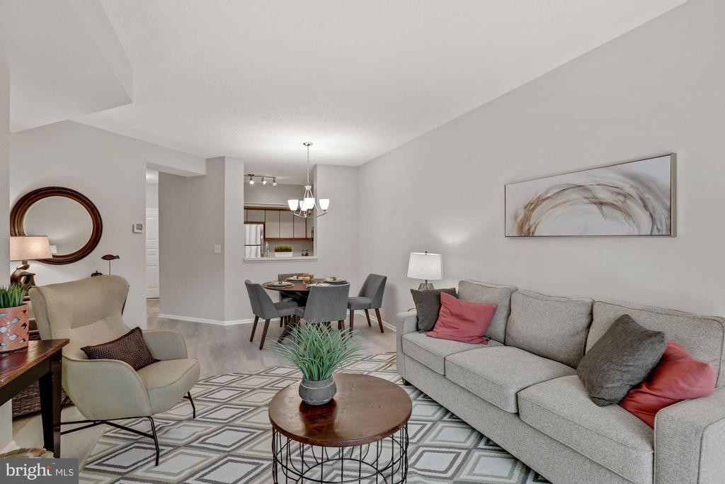 Living area - 2100 LEE HWY #G11, ARLINGTON