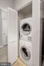 In-unit washer/dryer - 2100 LEE HWY #G11, ARLINGTON