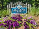 Sought after Lake Ridge Point Community - 11755 TOLSON PL #11755, WOODBRIDGE