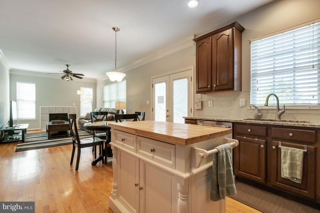Open Concept - 25554 DABNER DR, CHANTILLY