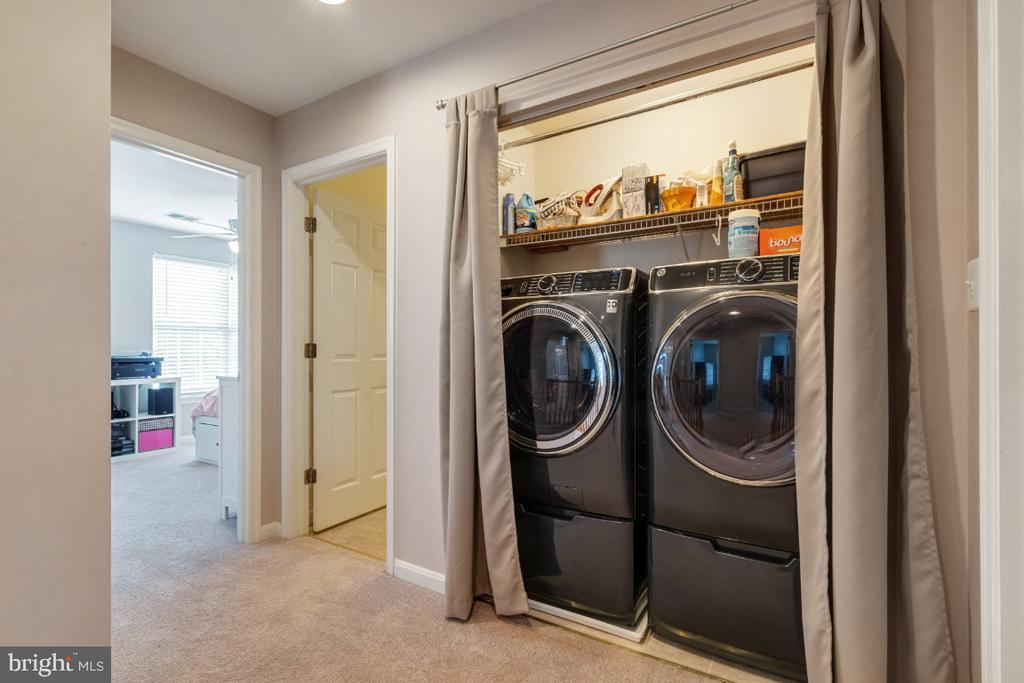 Upper Level Laundry - 25554 DABNER DR, CHANTILLY