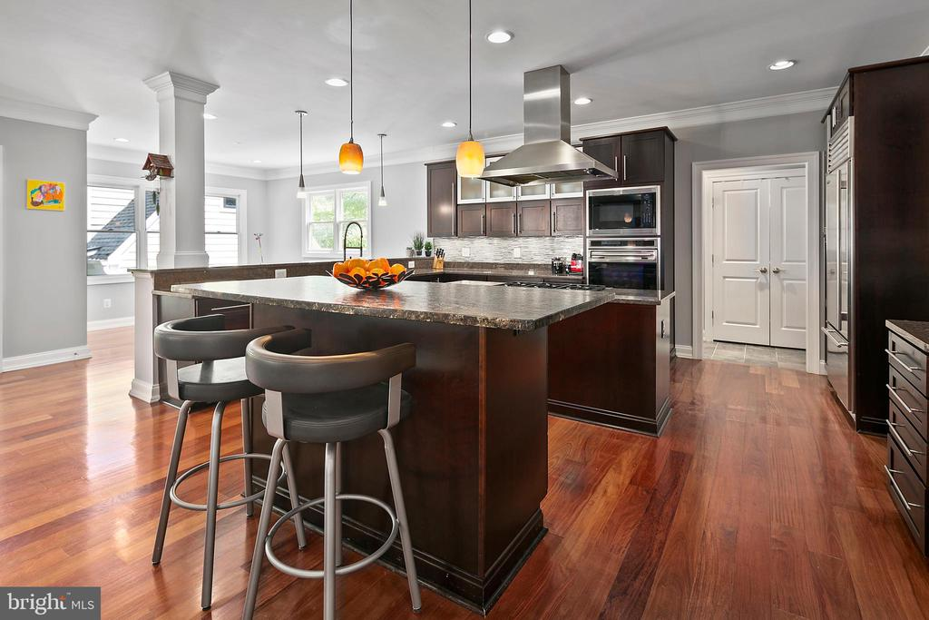 All gatherings lead to kitchen conversations - 2507 11TH ST N, ARLINGTON